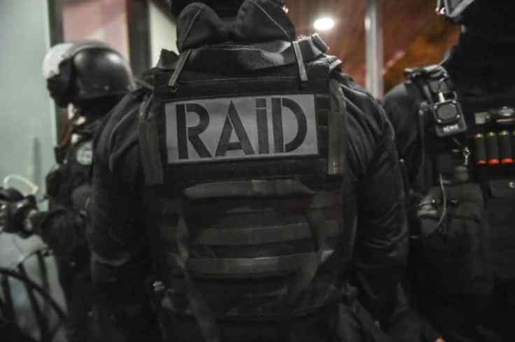 policier-raid